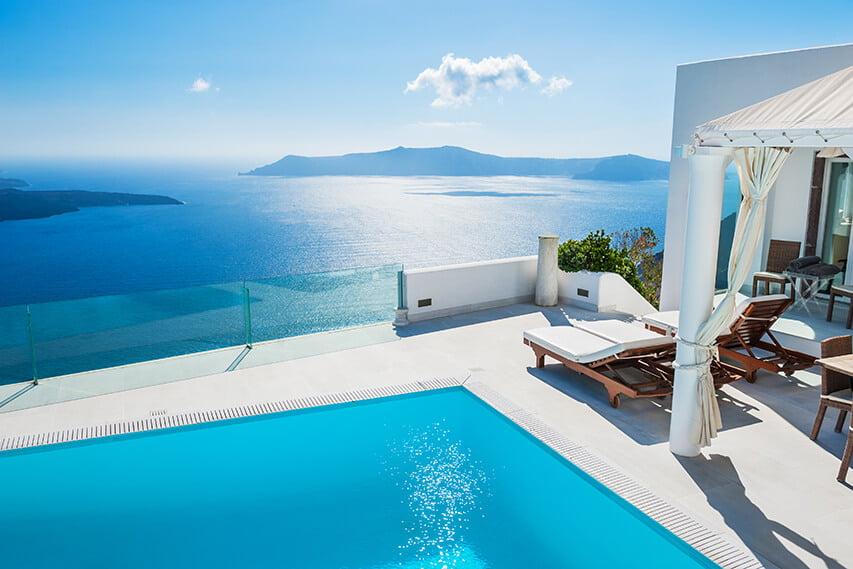 Package holiday Santorini hotel pool